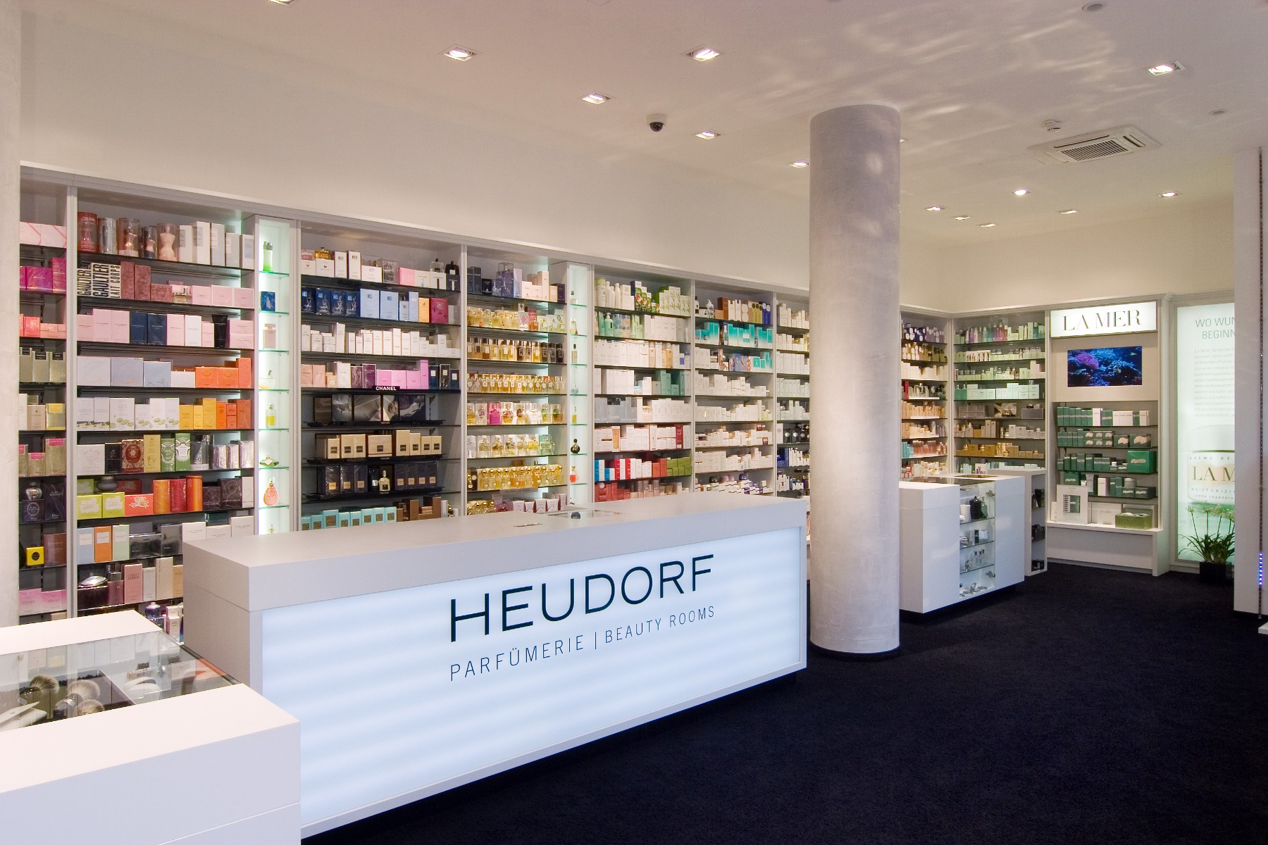 Verkaufsraum Parfümerie Heudorf
